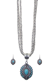 NAVAJO STYLE TURQUOISE PENDANT AND TRIPLE METAL BEAD CHAIN NECKLACE SET