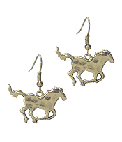 HAMMERED METAL FARM ANIMAL THEME EARRING - HORSE