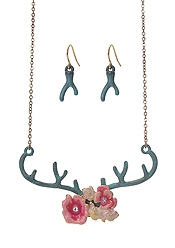 ANTLER AND EPOXY FLOWER NECKLACE SET
