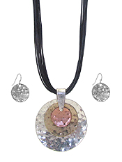 MULTI DISC PENDANT AND CORD NECKLACE SET