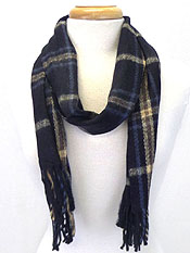 PLAID PATTERN AND FRINGE SCARF