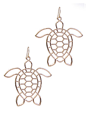 METAL WIRE TURTLE EARRING
