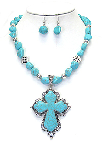 CRYSTAL AND TURQUOISE CROSS NECKLACE SET