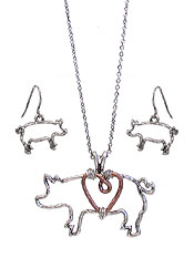 METAL WIRE PIG PENDANT NECKLACE SET