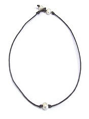 FRESHWATER PEARL LEATHERETTE CORD NECKLACE