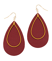 LEATHER TEXTURED AND METAL TEARDROP EARRING