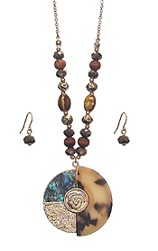 ABALONE AND CELLULOSE DISC PENDANT NECKLACE SET - TORTOISE