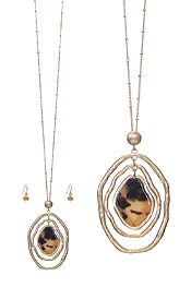 CELLULOSE AND METAL OVAL PENDANT LONG NECKLACE SET - TORTOISE