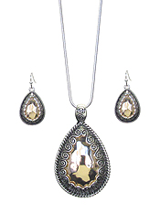 TEXTURED TEARDROP PENDANT NECKLACE SET
