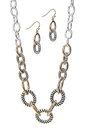 DESIGNER TEXTURED CHAIN NECKLACE SET
