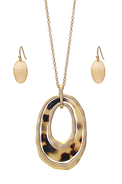 ORGANIC CELLULOSE AND METAL HOOP PENDANT NECKLACE SET - TORTOISE