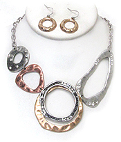 CHICOS STYLE VINTAGE METAL LINK NECKLACE SET