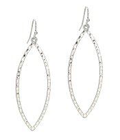 TEXTURED OVAL METAL EARRING