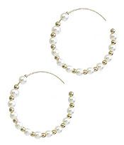 PEARL AND METAL BALL BEAD WIRE HOOP EARRING