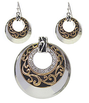 DESIGNER TEXTURED DONUT SHAPE PENDANT AND EARRING SET