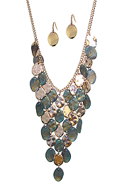 VINTAGE RUSTIC MULTI DISC MIX BIB NECKLACE SET