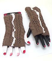KNIT WITH LACE OPEN FINGERTIP KNIT GLOVE