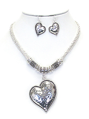 HAMMERED METAL HEART PENDANT NECKLACE EARRING SET