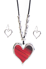 HEART PENDANT NECKLACE SET