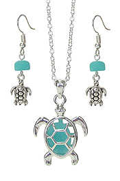 FLOATING SEA GLASS PENDANT NECKLACE SET - TURTLE