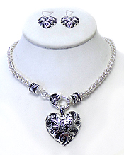 TEXTURED METAL HEART PUFFY CHARM NECKLACE SET