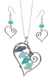 SEA GLASS CENTER HEART PENDANT NECKLACE SET