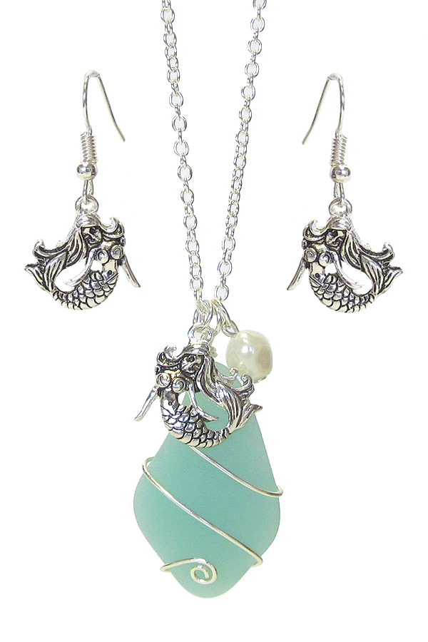 WIRE WRAP SEA GLASS AND PEARL PENDANT NECKLACE SET - MERMAID