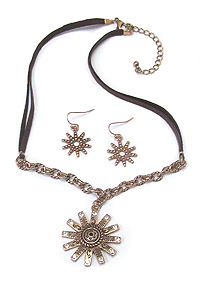 AZTEC FLOWER PENDANT AND LEATHERETTE CHAIN NECKLACE SET