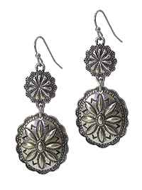 METAL FLOWER PATTERN DOUBLE DISK DROP EARRING