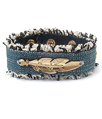 FEATHER ON DENIM BRACELET