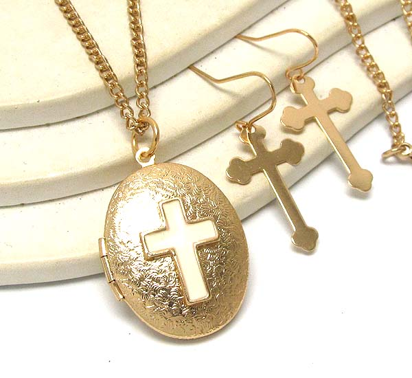 OVAL TEXTERED WITH EPOXY CROSS ON LOCKET LONG CHAIN NECKLACE EARRING SET