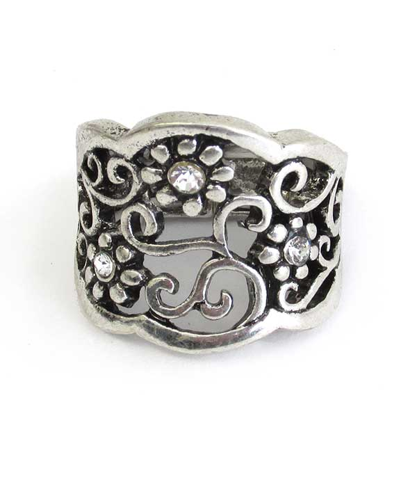FLOWER THEME FILIGREE STRETCH RING