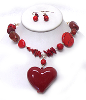 MULTI MIXED NATURAL STONES WITH ROUND WOOD DROP FASHION NATURAL STONE HEART CHAIN DROP NECKLACE EARRING SET
