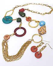 MULTI SHAPE BEAD AND PRECIOUS STONE LINK NECKLACE AND BUTTON EARRING SET