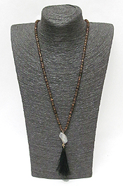 WOOD TYPE LINKED BEADS WITH TASSEL AND STON DROP NECKLACE