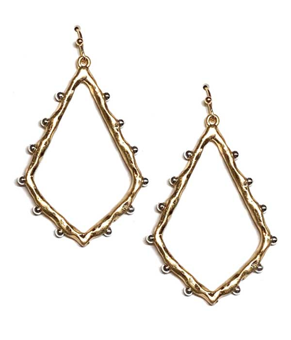 GEOMETRIC METAL EARRING