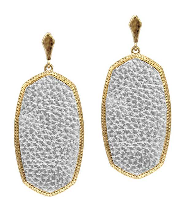 ANIMAL SKIN TEXTURED EARRING