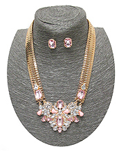 SPRING STATEMENT CRYSTAL PENDANT AND FLAT SNAKE CHAIN NECKLACE SET