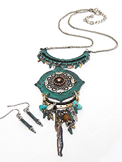 PATINA MULTI METAL CHARMS WITH DROP NECKLACE SET