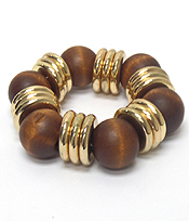 WOOD TYPE BEADS WITH LINKED RINGS BRACELET