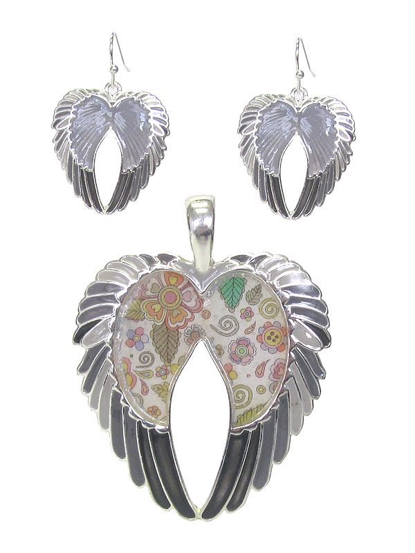 GRAFFITI ART STYLE ANGEL WING PENDANT AND EARRING SET