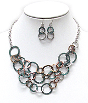 MULTI LAYER HAMMERED METAL HOOPS LINKS NECKLACE SET