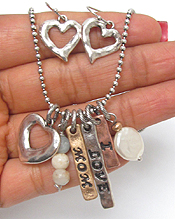 I LOVE MOM THEME MULTI CHARM NECKLACE SET