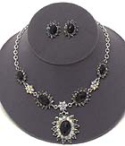 CRYSTAL AND FACET GLASS FLOWER PENDANT PARTY NECKLACE EARRING SET