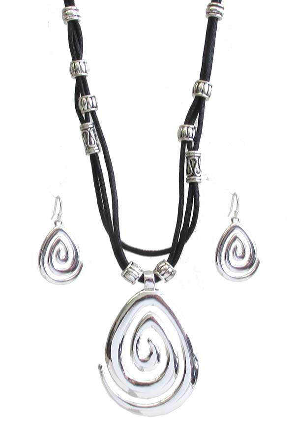 SWIRL TEARDROP PENDANT AND MULTI CORD CHAIN NECKLACE SET