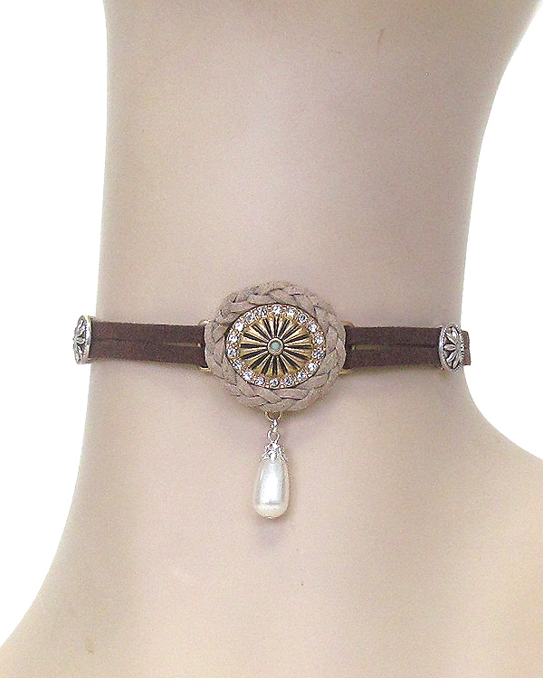 CRYSTAL AND PEARL DROP LEATHER CHOKER NECKLACE