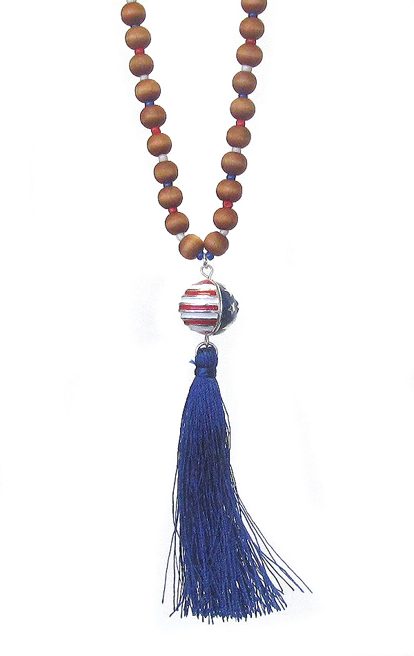 AMERICAN FLAG BALL PENDANT AND WOOD BEAD LONG CHAIN NECKLACE