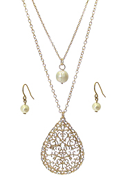 METAL FILIGREE TEARDROP AND FRESHWATER PEARL PENDANT DOUBLE LAYER NECKLACE SET