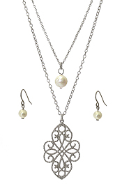 METAL FILIGREE AND FRESHWATER PEARL PENDANT DOUBLE LAYER NECKLACE SET