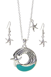 SEA GLASS  SEALIFE THEME PENDANT NECKLACE SET - STARFISH AND WAVE